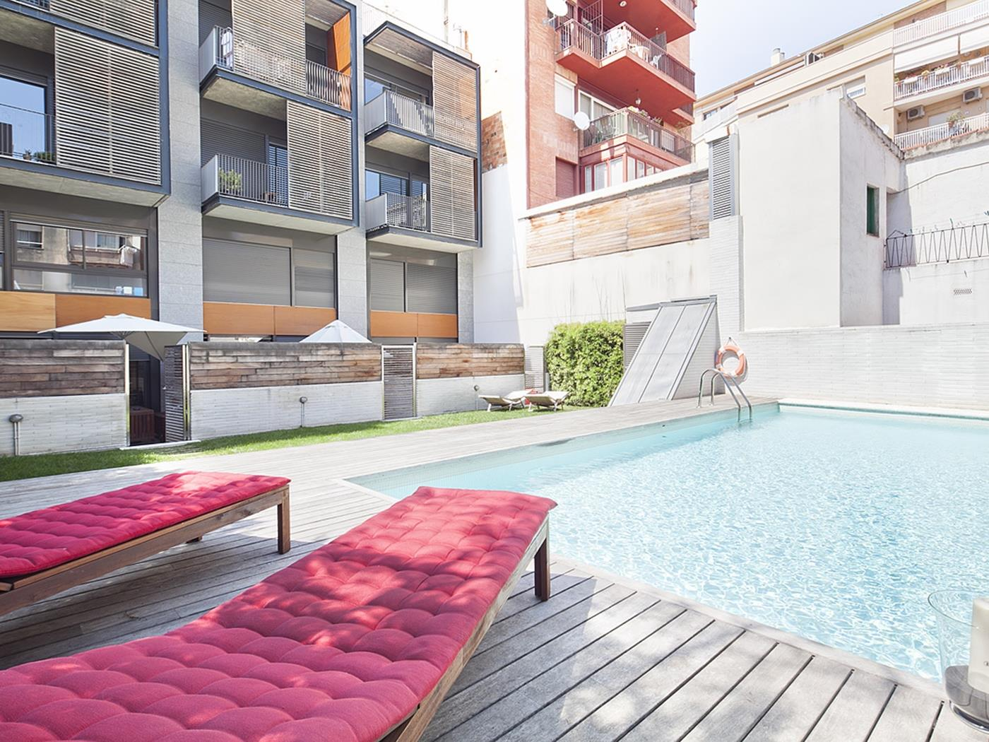 Duplex with Swimming Pool near City Center for 8 - My Space Barcelona Mieszkanie