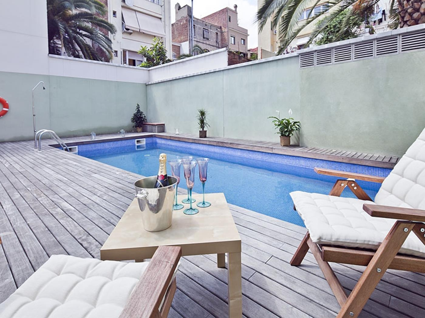 Terrace and pool apartment near the Barcelona centre - My Space Barcelona Mieszkanie